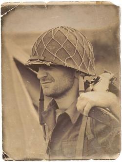 0005  GI WW2 79TH MEMORY GROUP