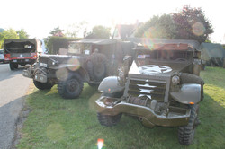 0022 Half track et Dodge 79TH MEMORY GRO