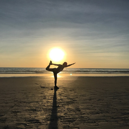 Yoga session in Dundee Beach