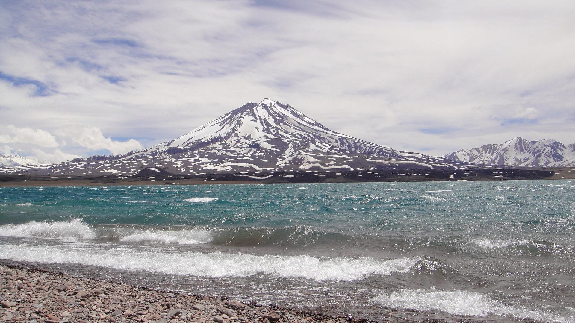 volcan-maipo-970095_1920.jpg