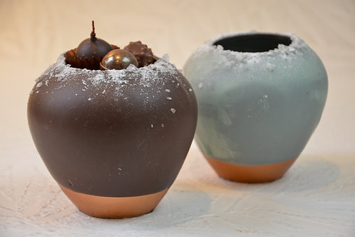 Vase noir ou givré garni d'assortiment - 11 cm