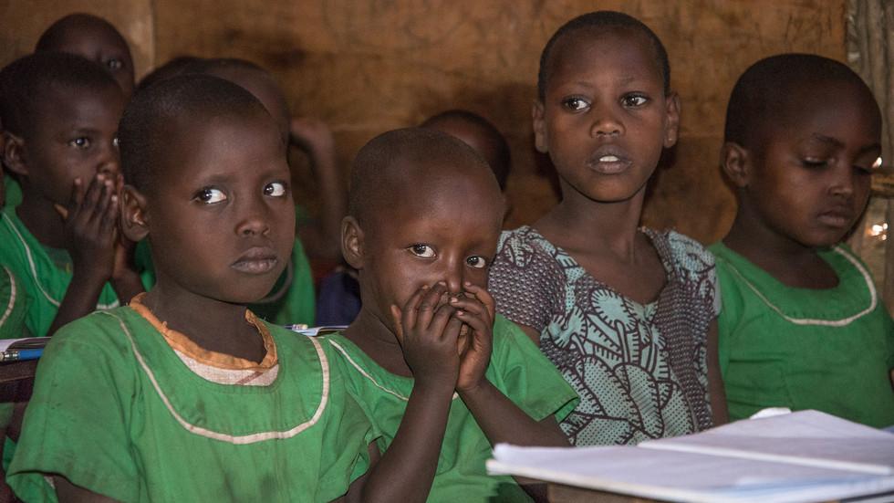 Schule im Massaidorf