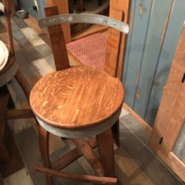 Barrel Top Bar Stool