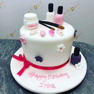 Pretty manicure themed cake for Irina 🌷