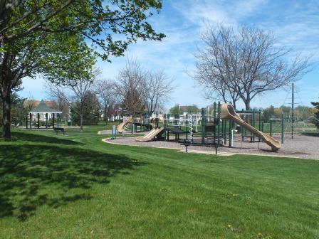 10 - Park Play Area