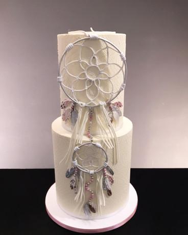 Hochzeitstorte mit Traumfänger aus Zucker.jpg