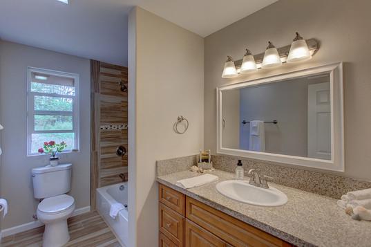 Hallway Full Bath.JPG