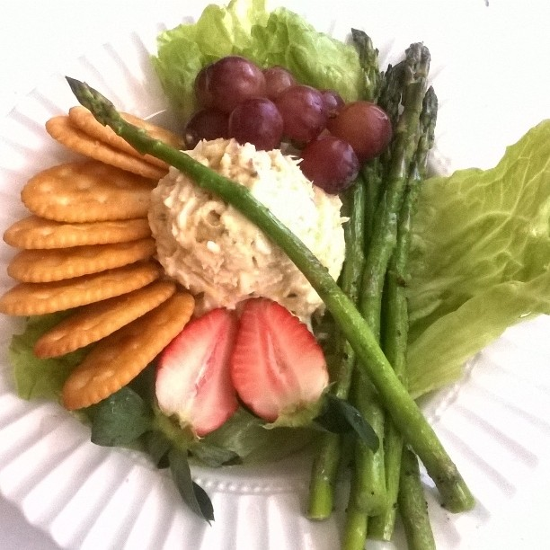 Tuna salad with asparagus fresh fruit an