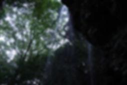 福勝寺裏見の滝