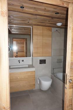 Meuble de salle de bain en chene brossé