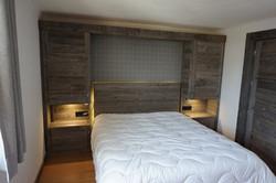 Ensemble tete de lit en vieux bois gris