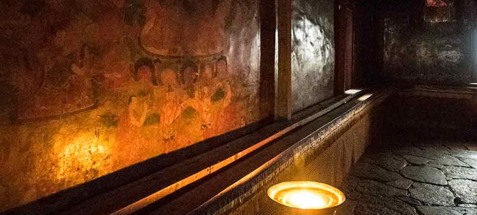 wall-paintings-butterlamp.jpg