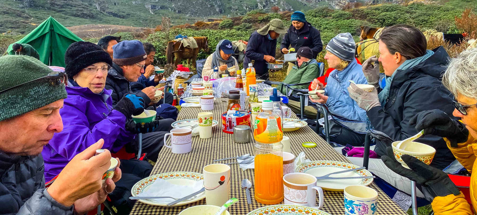 Outdoor dining during our trek to treasu