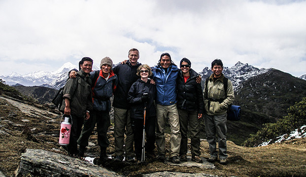 Trekking guests with staff '06