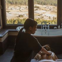 Massage treatment at the Gangtey Lodge