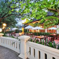 Sidewalk, Settha Palace Hotel, Vientiane
