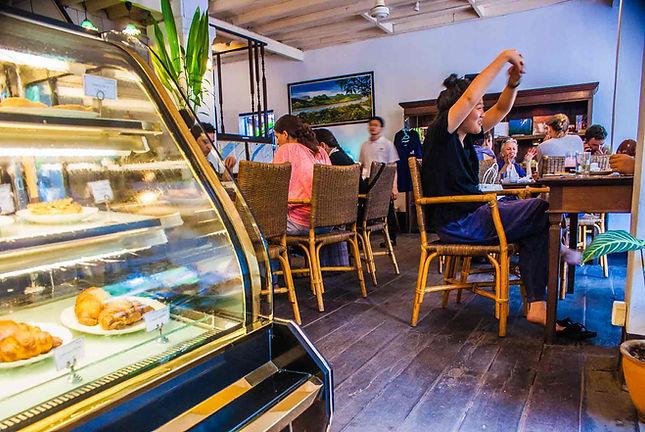 cafe-scene-luoangphabhang-bhe.jpg
