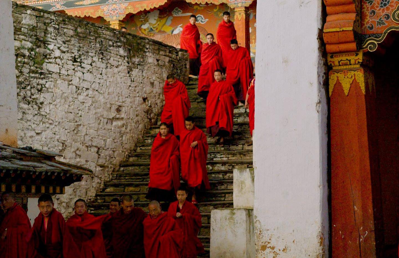 jakar-monks.jpg