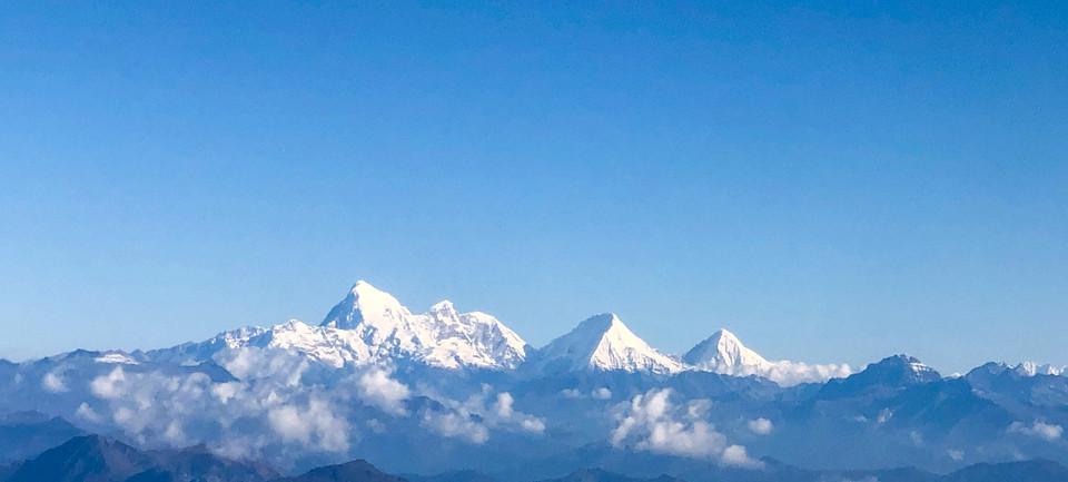High peaks on the Trek to Treasure Lake