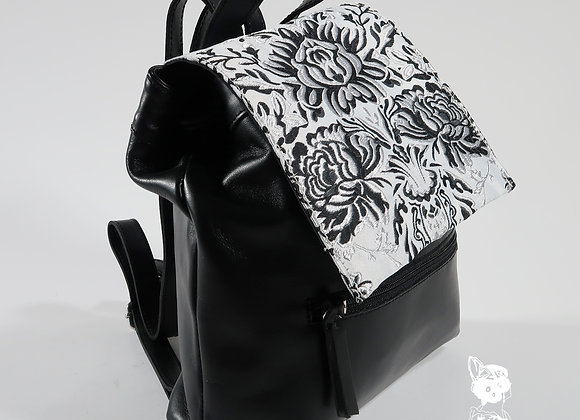 Modelo Altura pequeña Color Negro - Pequeña
