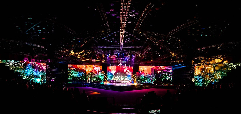 huge stage with many artists performing in india for Amadeus Electric Quartet show