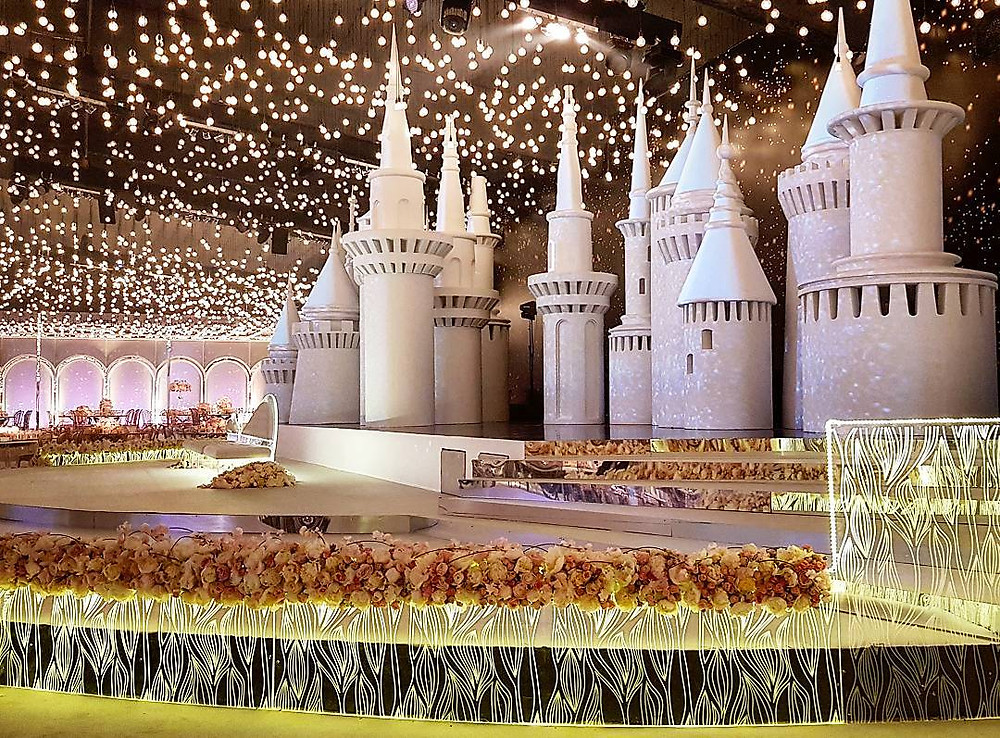 decor with an arabic style of castel during a royal wedding in qatar