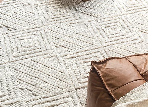 Moroccan Hand Woven Kilim Rug w/ Geometric Pattern