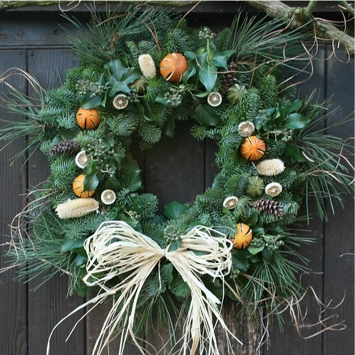 14 Inch Citrus & Straw Bow Wreath (Delivery 1 Dec)