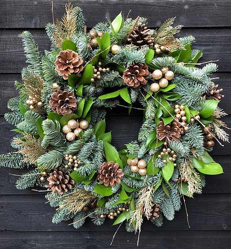 16 Inch Cone & Leaf Wreath (Delivery 23 Dec)
