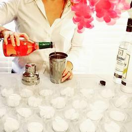 RUM DRINKSSS FOR DAYS! 🍹_#luau #mobileb