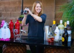 bali reds mobile bar shaking cocktails
