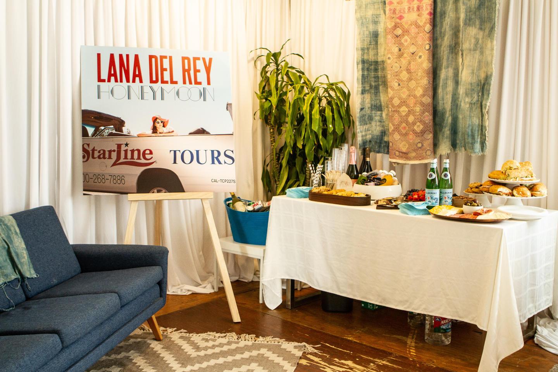 Urban Outfitters LA Lana Del Rey fans meetup