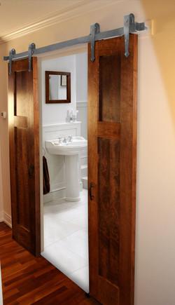 silver_flattrack_bathroom