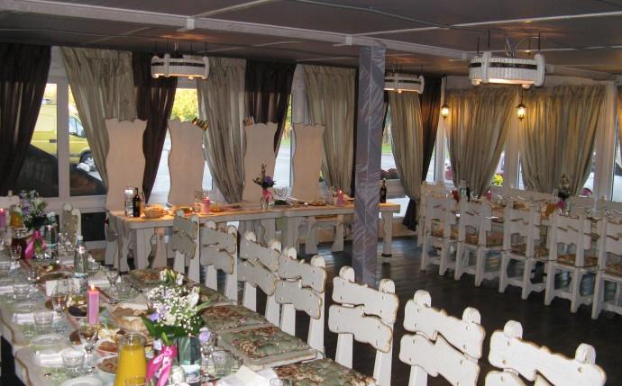 Laterrasse restaurant  in NYVKY Plaza hotel