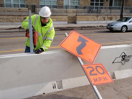 Traffic Control In Minnesota By Safety Signs
