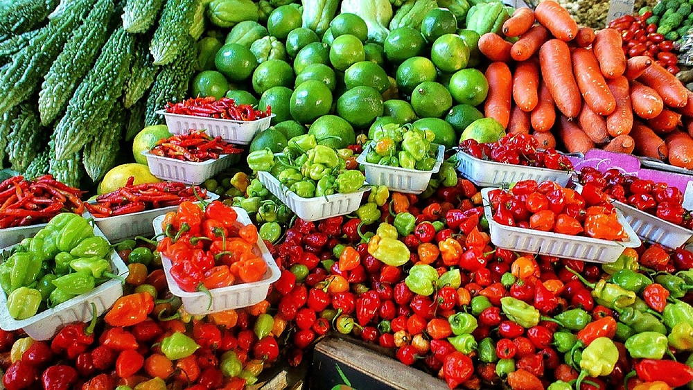 farmers market vegetables and fruits