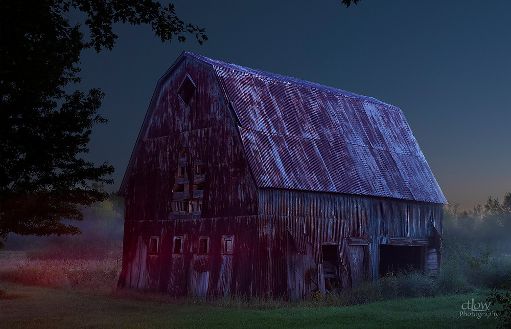 barn dawn fog