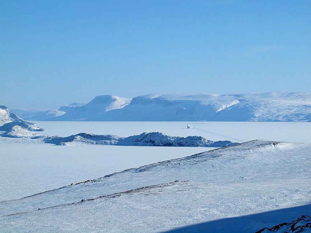 iceberg, in context, visually isolated