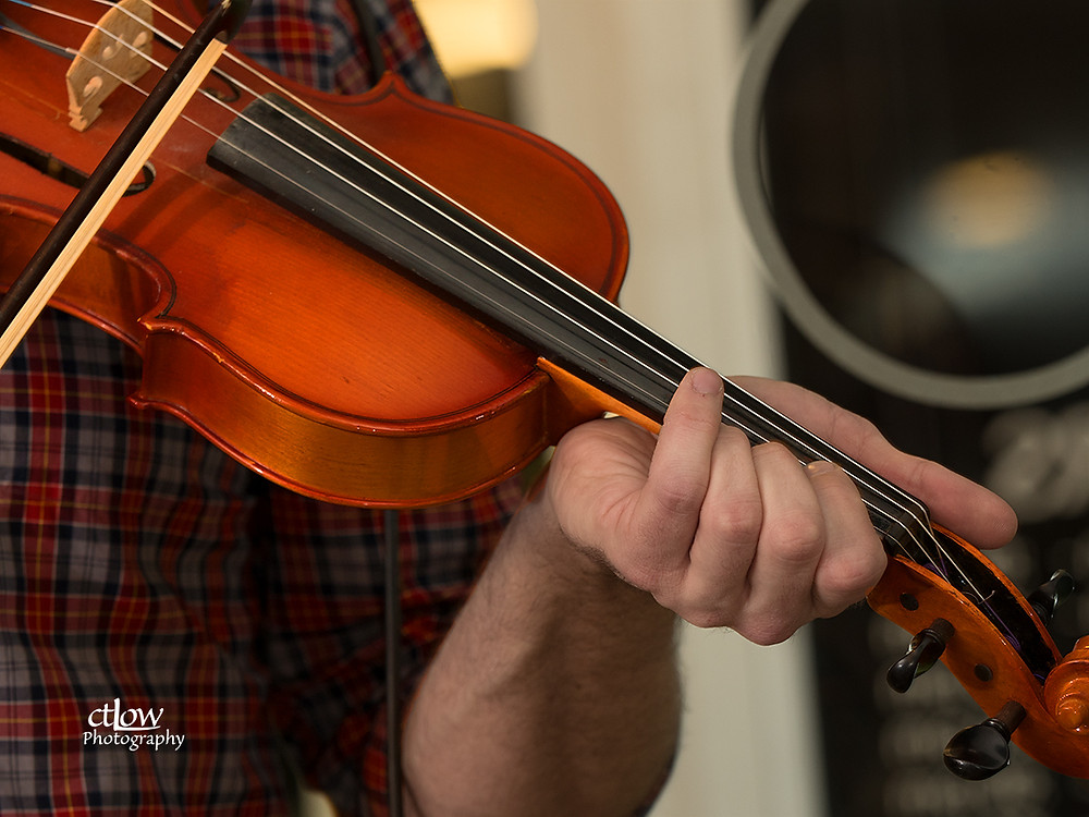 fiddle and bow detail