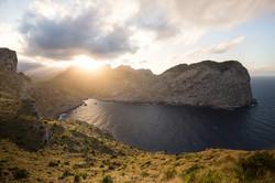 esser-fotografie-sunbeam-coastline-mallorca