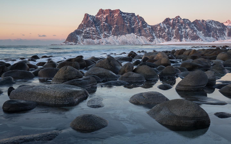 esser-fotografie-stones-at-the-beach