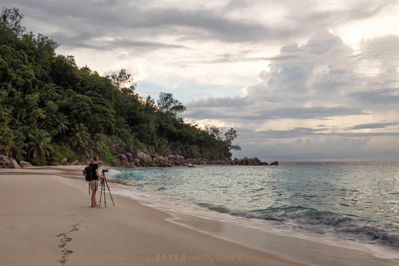 esser-fotografie-praslin-beach-lonely-photographer