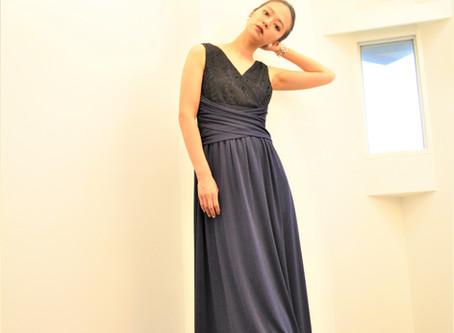 ビジネスシーンはスタイリッシュなドレスを