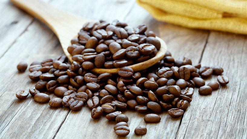 closeup-coffee-beans-543525262-579791c85