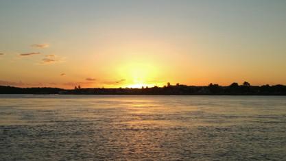 Este é o por do sol que conseguimos assistir a partir da ponta do apaga fogo, no horizonte de Porto Seguro
