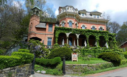 Tour the Harry Packer Mansion