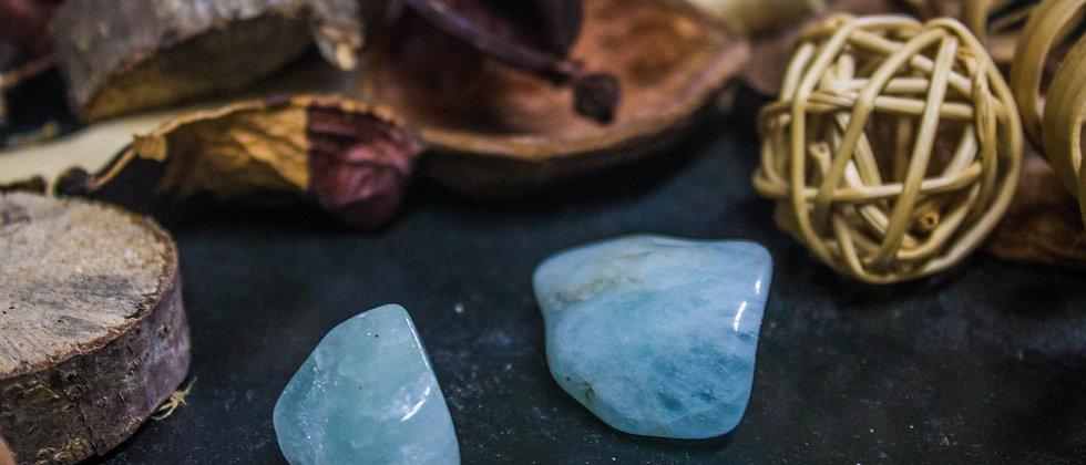 aigue-marine, pierre roulée, pierre semi précieuse, gemme, leanne ingouff, lithothérapie,saint laurent du pont, oeil du tigre