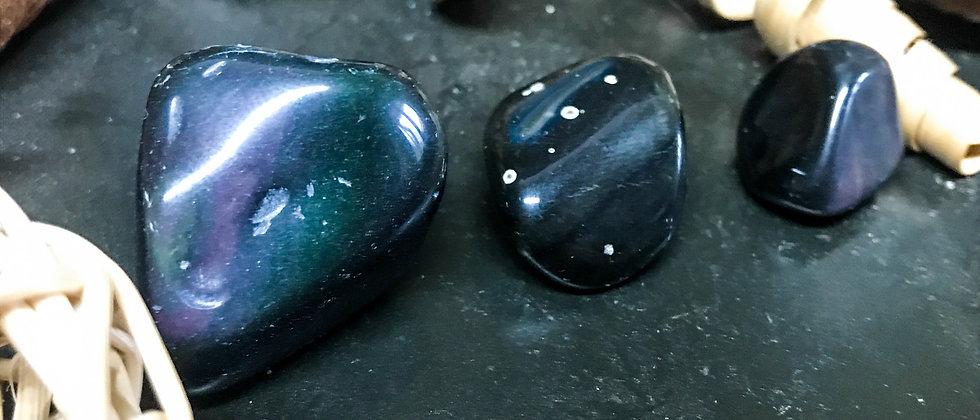 obsidienne oeil céleste, pierre roulée, pierre semi précieuse, leanne ingouff, saint laurent du pont, oeil du tigre
