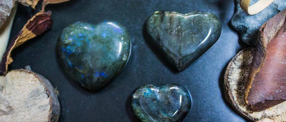 labradorite, pierre roulée, pierre semi précieuse, gemme, leanne ingouff, lithothérapie, saint laurent du pont, oeil du tigre