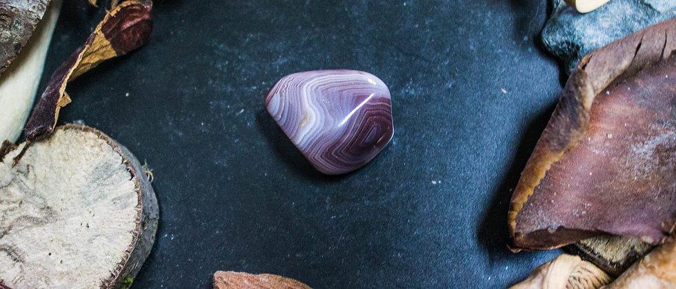 agate du Botswana, pierre roulée, pierre semi précieuse, leanne ingouff, lithothérapie, saint laurent du pont, oeil du tigre